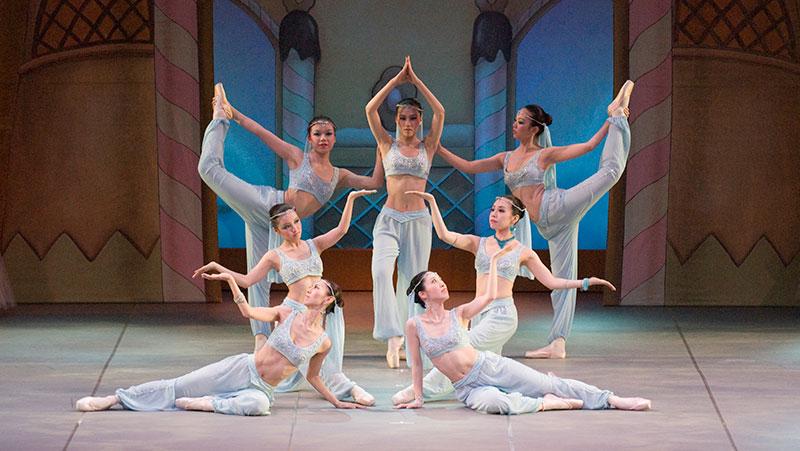 吉野百合子主催 クラシックバレエ教室 初・中級クラス